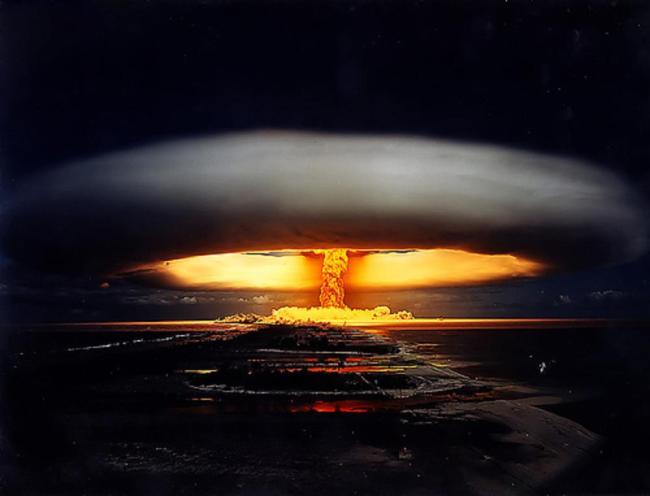 Nuclear-Bomb-Mushroom-Cloud