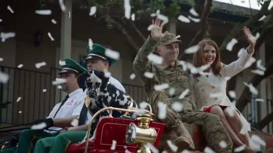 Budweiser_Super_Bowl_XLVIII_Commercial__A_Heros_Welcome__164615