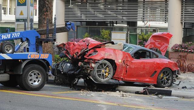 FerrariAccident20092014e